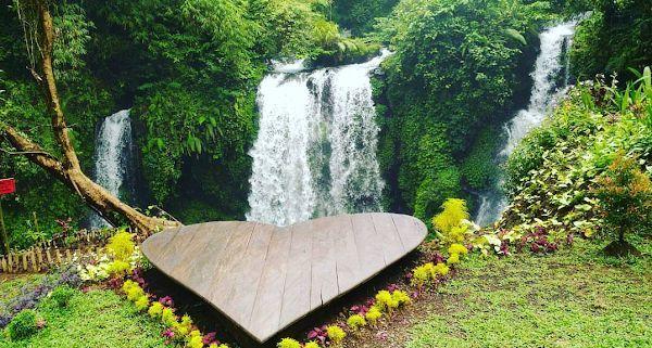 Air Terjun Curug Jenggala Foto by Wawan Triwibowo