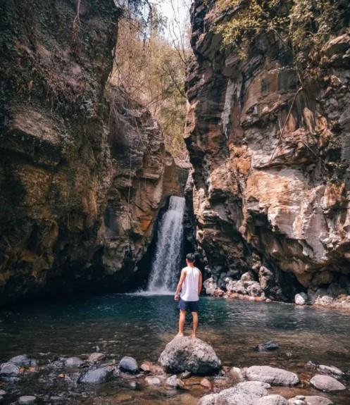 Air Terjun Tembok Barak via IG @danishlh_