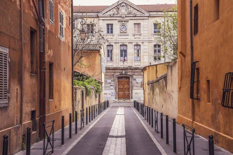 Aix-en-Provence via Pixaby