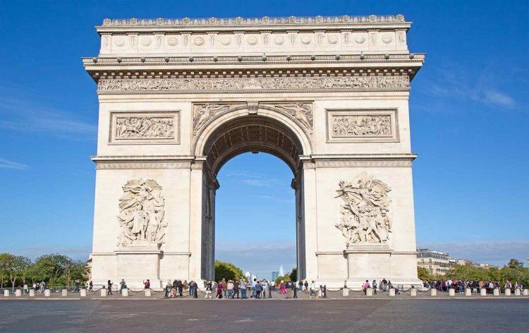 Arc de Triomphe via Parisperfect
