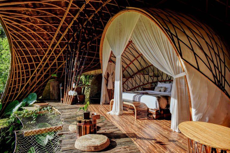 Bambu Indah Hotel, Hotel Bernuansa Lingkungan yang Punya Banyak Kamar Tematik Keren