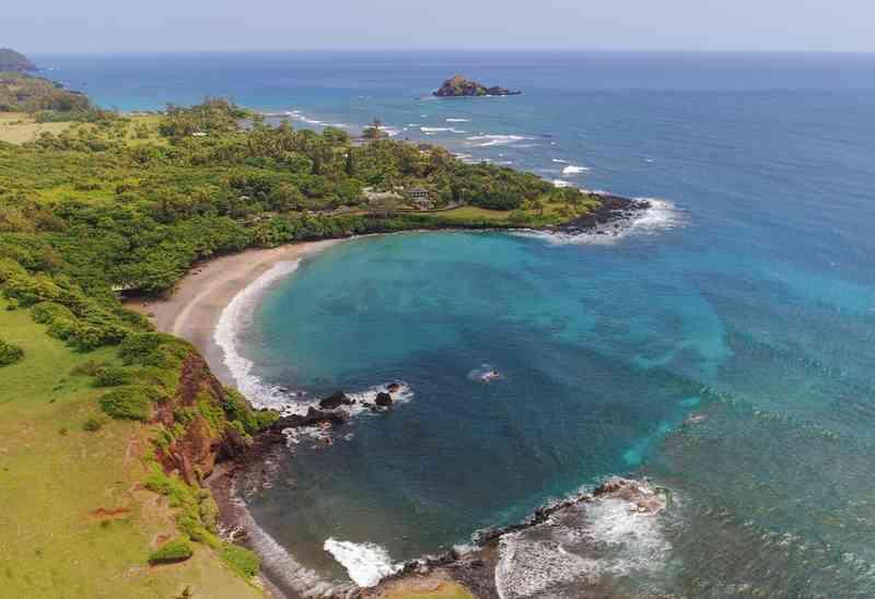Hamoa Beach via Shutterstock