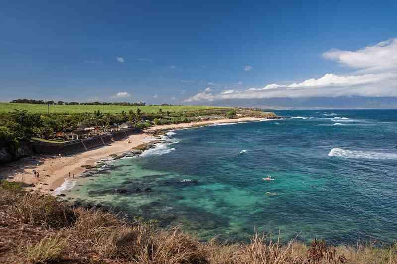 Ho'okipa Beach via Shutterstock