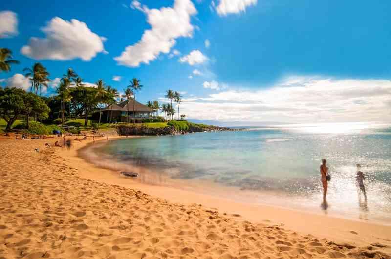 Kaanapali Beach via Shutterstock