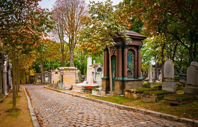 Père Lachaise via Parisinfo