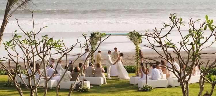 Pesta pernikahan di Alila Villas Soori
