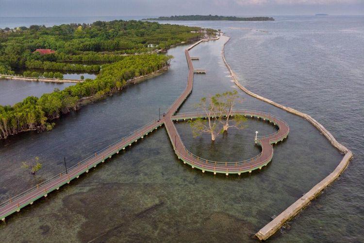 Pulau Untung Jawa via Kompas