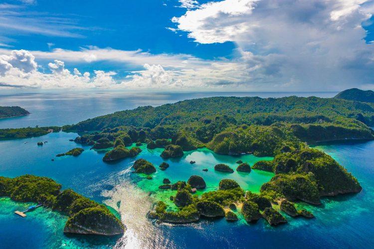 Raja Ampat, Papua Barat via lagaligoliveaboardcom