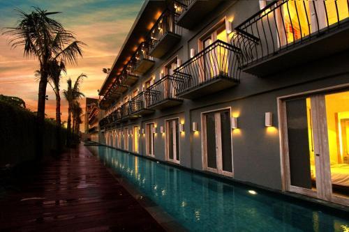 Pengen Ngerasain Serunya Bangun Tidur Langsung Berenang? Maka Kalian Harus Nginep diFRii Bali Echo Beach Hotel