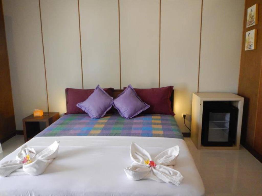 Suasana Kamar di Denaya Lodge Hotel via Nusatrip