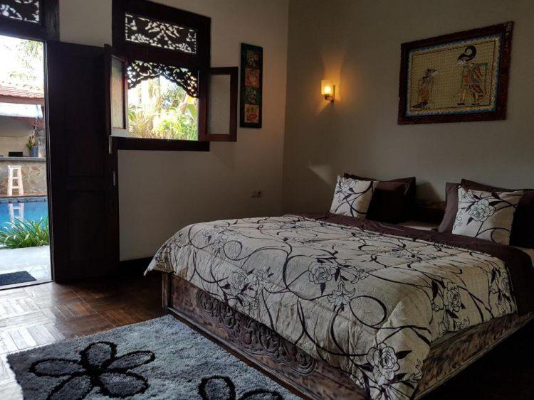 Suasana Kamar di Gili Bagaz Cottage Hotel via Booking
