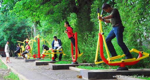 Taman Fitness via Jabarprov