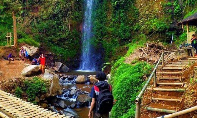 Wisata Alam Curug Delimas via Bakpiamutiarajogja
