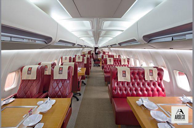 Atmosfer layaknya menikmati fine dining di penerbangan mewah terasa betul di restoran yang satu ini Photo ardecokaryaglobalcom