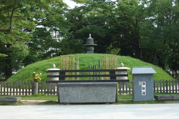 Atomic Bomb Memorial Mound via Hiroshima Navi