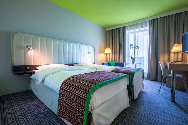 Family Room Park Inn by Radisson Frankfurt Airport Hotel via Traveloka