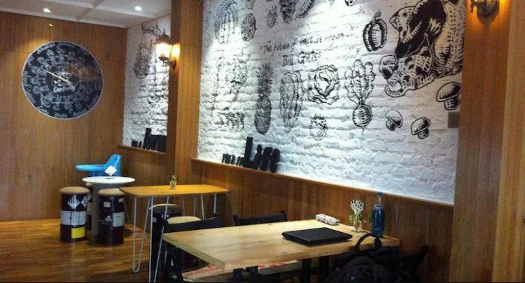 Interior Fortunate Coffee Bandung via Qraved