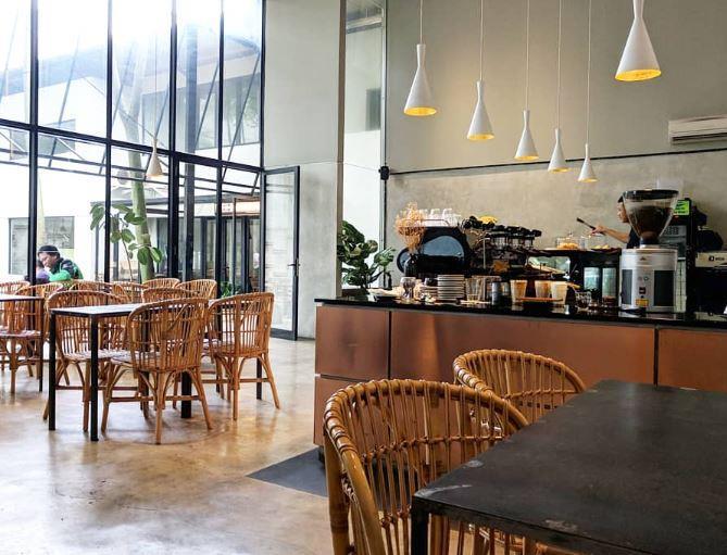 Interior Menu Mimiti Coffee via Coffeetimes