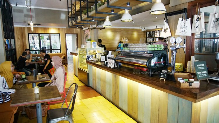 Interios Two Cents Coffee Bandung Foto by Ottencoffee