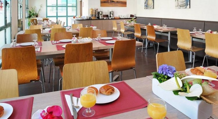 Kafetaria, via booking
