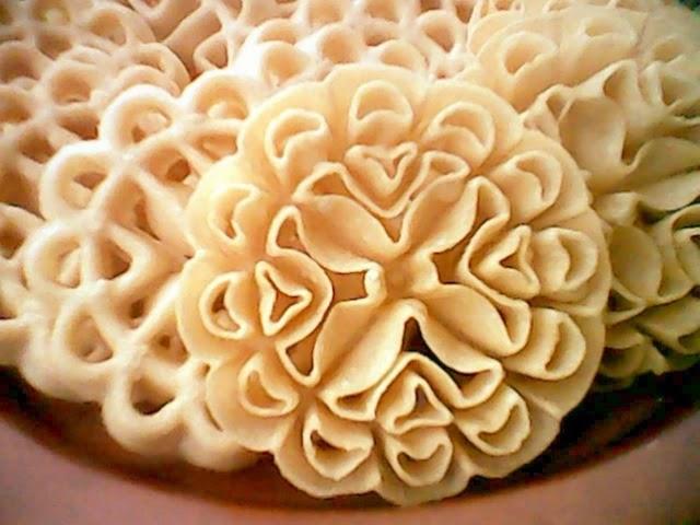 Kue Kembang Goyang