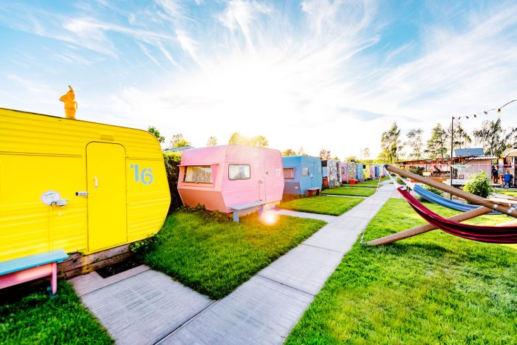 Lucky Lake Hostel via Hotelz