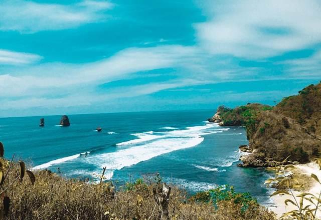 Pantai Watu Pecah via IG @navanandre