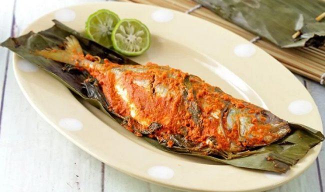 Pepes Tulang Lunak Ikan Mas via Ramesia
