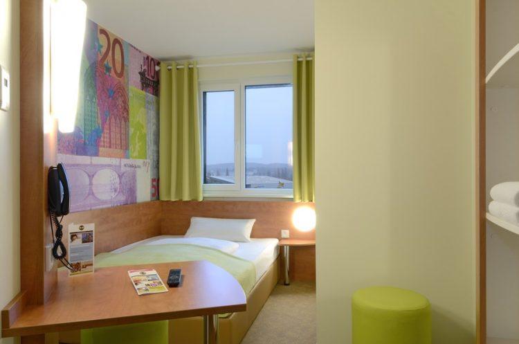 Room B&B Hotel Frankfurt City-Ost via Zoovercom