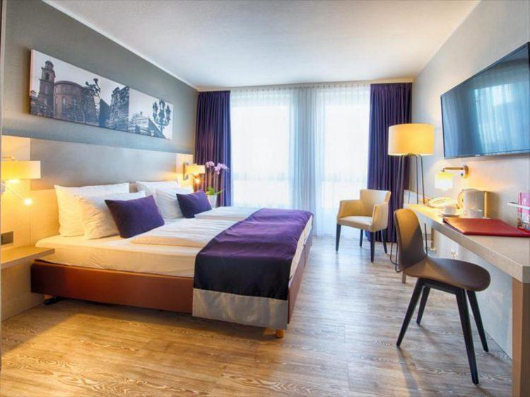 Room Comfort Hotel Frankfurt City Center via Agoda