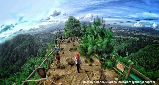 Tebing Keraton di Dago Atas Foto by @cheriesnugraha - tempat instagramable di Bandung